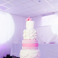 Wedding cake at Aria Suite Leeds